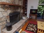 Eric's Landing, Large Fireplace, Kid Friendly Rental, Swim
