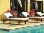 Pure Relax at your pool