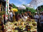 Colourful Balinese ceremonies on Nusa Lembongan