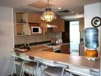 Modern, Fully Equipped Kitchen with Breakfast Bar
