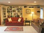 Ground floor living room and best-seller library.