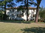 Large Villa with a Private Pool in Tuscany Near a Train to Arezzo - Villa Il Cortile