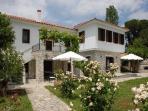 Villa Befani: Arbor Condo Side