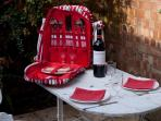 Usage of a picnic set is included with your rental