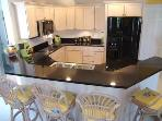 Open concept kitchen, granite, modern applicances
