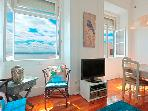 Remedios III -stunning river view, historic  area, 5 min to metro and Tram 28