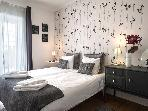 Barao I - comfortable and ideally placed near the Cathedral, 1 min famous Tram 28