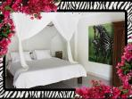 2nd Bedroom Queen bed, Mosquito nets, A/C, ensuite bathroom, mosquito nets, 26/04/2014