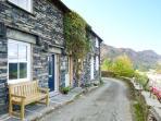 MINER'S COTTAGE, superb pet-friendly cottage, woodburner, lake views, in Coniston Ref 13990