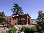 Sandpiper Haven: Fabulous 80ft Waterfront Beach House, VIEWS, Penn Cove, Whidbey Island.