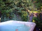 Bonne Chere, Spa in the Secret Garden, Hot Tub, Guerneville