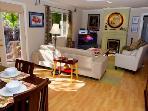 Bonne Chère, Comforable Living Room, Cable TV, WIFI