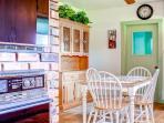 Eat-in Kitchen