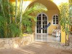 Villa Amarilla ,Terrasse zum unteren Zimmer