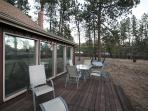 Huge Deck with table, chairs & swing with beautiful mountain view!