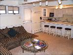 Immaculate 2 bedroom - Walk to lifts (3579)