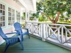 Royal Palm Cottage - Walk to Fifth Ave and Gulf Beaches