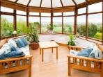 Conservatory with view to the lake