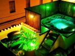 Private Jacuzzi with BBQ