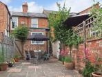 PINECOTE, close amenities and attractions, ideal Cotswolds base, Stratford-upon-Avon Ref 15471