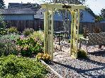 arbor to garden