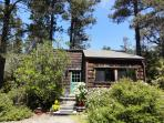 Caspar Cottage charming private Mendocino rental