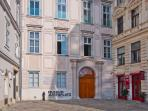 1 minute walk: the Museum am Judenplatz