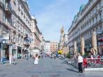 3 minutes walk: the Graben