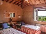 AC twin-double bedroom (3BDR APT)
