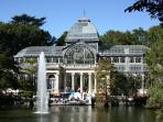 RETIRO PARK. 7 min walking distance from cHic mAdrid cEnter.