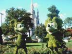 Mickey & Minnie Topiary at Magic Kingdom