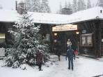 Ski hut at the Schwarzer Mann top