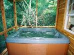 Back porch - hot tub for 2