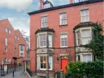 LEAHURST, family accommodation, views of river and railway, town centre