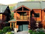 Slopeside 200: 3-bedroom base area ski condo
