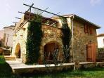 This is a picture of Villa Oliva taken from the courtyard