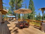 Huge decks - BBQ + Lake Views
