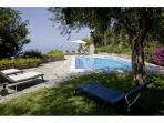 Villa with pvt swimming pool-wifi-air conditioner
