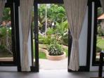 Dolphin Beach Bali - Bunga Jepun Suite
