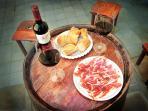 Iberic ham with red wine from Rioja, 'Bon apetit'