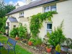 COURT COTTAGE, solid fuel stove, off road parking, enclosed garden, near Adare,