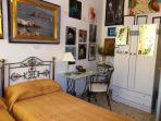 twin bedroom, particular
