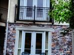 Cozy condo on 2 floors with 'Juliette' french doors on 2nd floor & terrace/french doors on 1st