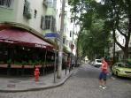 Restaurante super conhecido no Rio de Janeiro, na esquina da rua Senador Correa.