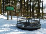 Erlebnispfad im Winter -  mit Karusell u. Hangrutsche u.v.m.