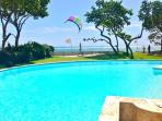 *** KiteBeachRental *** pool action