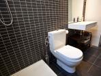 Ensuite shower room for main bedroom