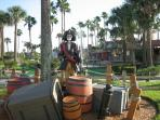 Pirates Cove Mini Golf-Recreation