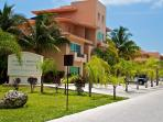 3 Bedroom Marina Front Penthouse with 5 Star Hotel Services