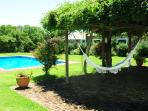 Swimming pool and Gazebo. La piscina con el Gazebo